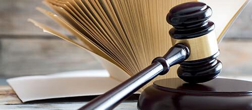 Divieto di patti successori e nullità di testamenti reciproci di due coniugi